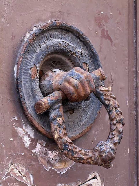 Front door handle, via Ricasoli, Livorno