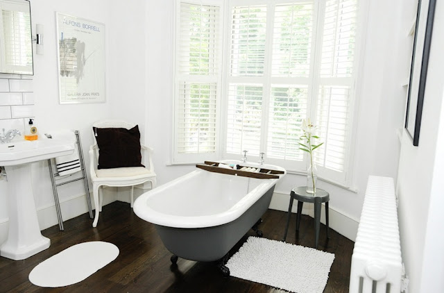 Contoh gambar 2 kamar mandi rumah minimalis modern dengan biaya murah