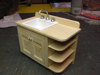 1 INCH SCALE DOLLHOUSE SMALL SINK - How to make a small sink for your dollhouse.