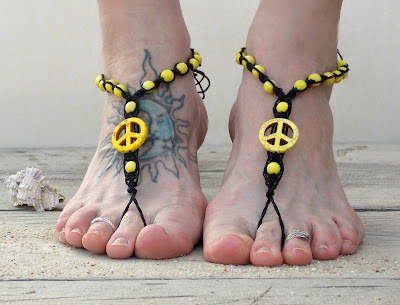 http://www.mojosfreespirit.com/collections/men-s-barefoot-sandals/products/peace-barefoot-sandals-unisex
