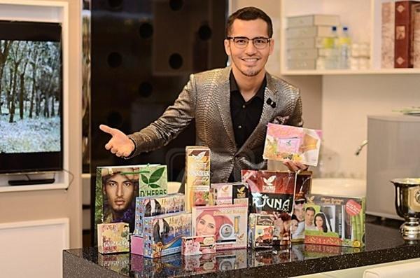"""Dato Aliff Syukri Sudah Serik """"Gedik Dan Gelenyar"""" Untuk Promosi Produk!"""