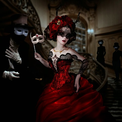 16-Natalie-Shau-Surreal-Photographs-and-Illustrations-www-designstack-co
