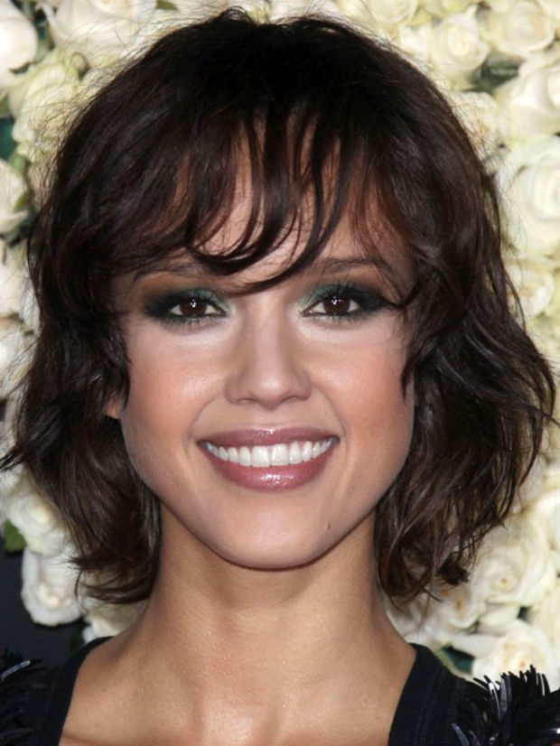 Potongan Rambut Wanita Yang Pas Untuk Wajah Oval