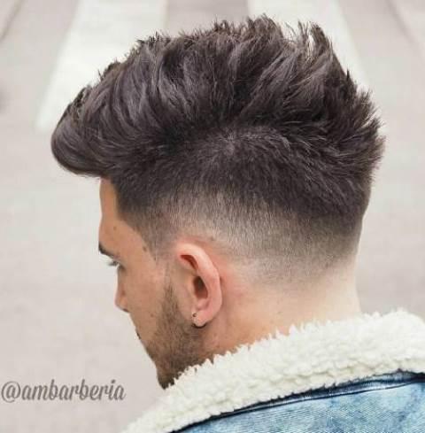 Model Rambut Sisi Pendek Siksak Bagian Atas