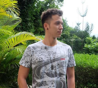 Model Gaya Rambut Stefan William