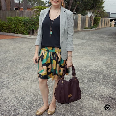 awayfromtheblue Instagram | black tee, leaf print silk skirt, jersey blazer and marc jacobs fran bag autumn office outfit