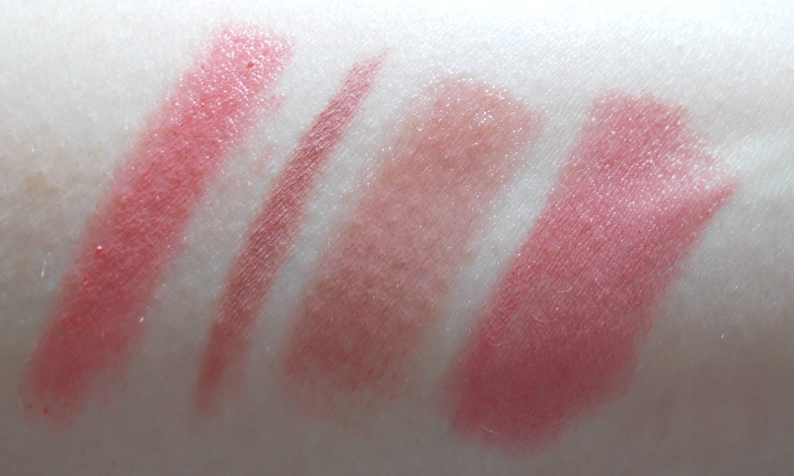 swatches colourpop lippie stix crunch charlotte tilbury lip cheat pillowtalk urban decay ex girlfriend revlon ultra hd rose