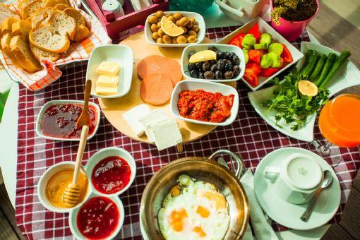 Akçay Yavuz Butik Otel - Akçay Kıyı Cafe - Akçay Otelleri 1