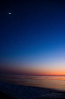 Luna sobre el mediterráneo