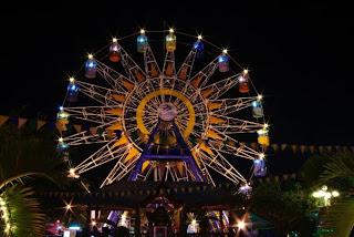 Parco divertimenti di notte Nha Trang