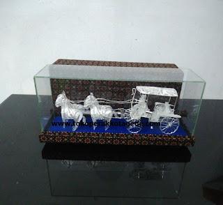 horse cart miniature