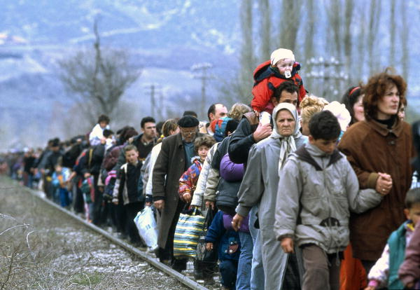 Kosovar refugees fleeing their homeland. [Blace area, The former Yugoslav Republic of Macedonia] 01/03/1999. Blace. UN Photo/R LeMoyne. www.un.org/av/photo/