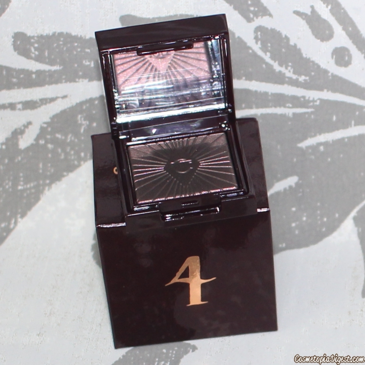 Here is the review and contents of the Charlotte Tilbury Book of Makeup Magic Advent Calendar 2015.