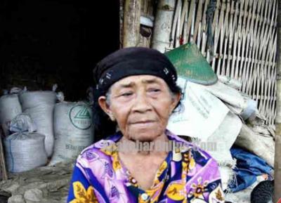 TKW Hong Kong Menelantarkan Ibu Kandungnya Hingga Hidup di Pinggir Hutan Tanpa Kerabat