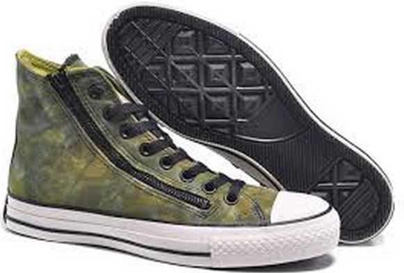 Bagi kamu yang mengharapkan sepatu converse murah mampu dipilih sesuai  kategori Converse Laisure Womens Tee Optic White yang harganya cuma Rupiah. e645a221c7