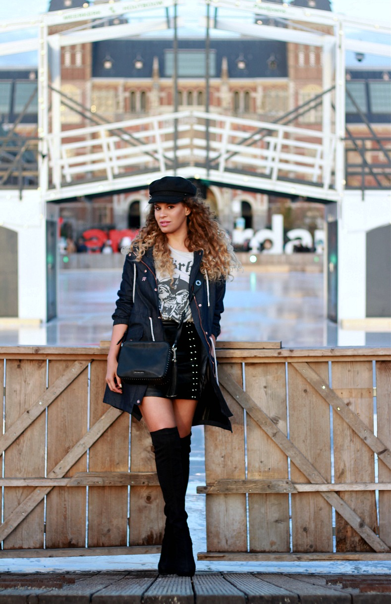 Tamara Chloé, Amsterdam, Fishermans hat, Rain Couture coat, Over-the-knee boots, Michael Kors camera bag