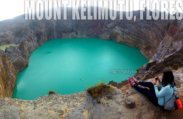 Visiting Mount Kelimutu