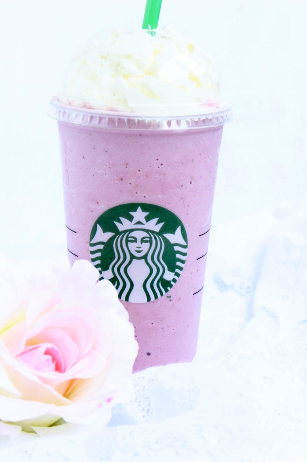 Strawberries and Cream Frappuccino ♡ a la Starbucks