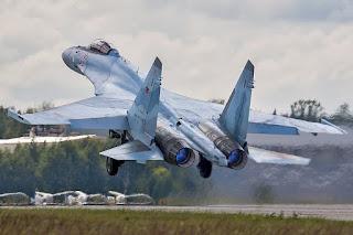 Jet Tempur Multirole Sukhoi Su-35