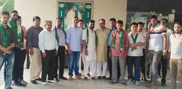 Faridabad: Dozens of youths subscribe to Lee Inno Party