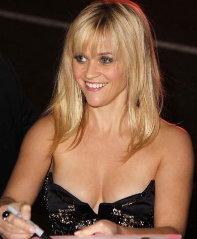Reese witherspoon boobs