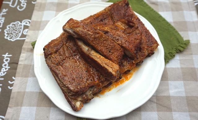 Costillas de cerdo al horno, adobadas.