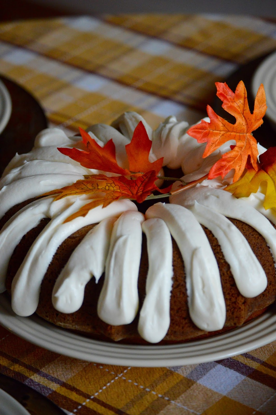 How To Frost A Bundt Cake With Canned Frosting