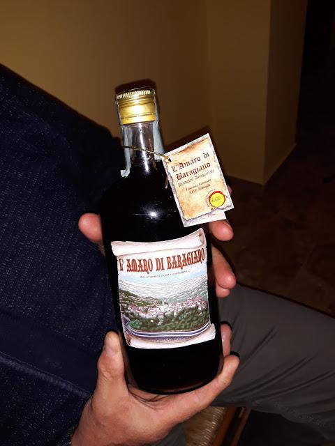 storia, leggenda e proprietà della cicoria con ricetta del caffè di cicoria