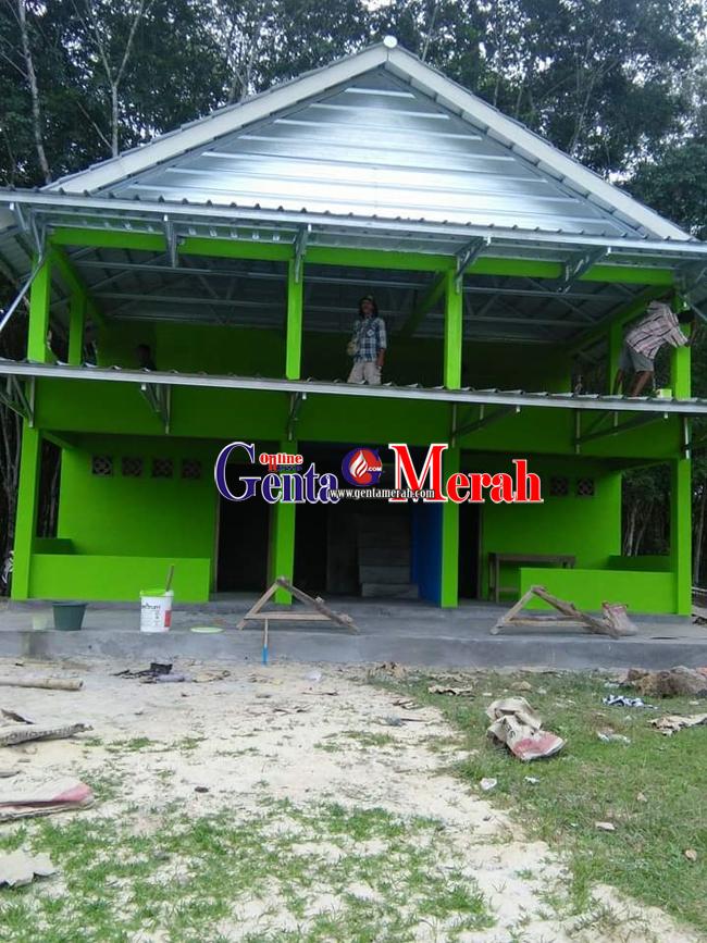 Kucuran DD, Desa Muktijaya Bangun Tribun Penonton Sepak Bola Dua Lantai