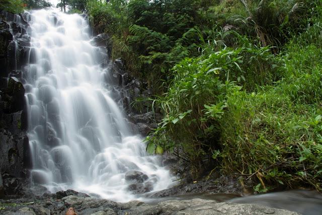 Tempat Wisata Hits air terjun pundak kiwo di magetan