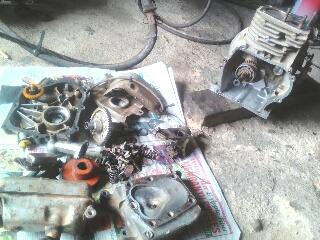 Gambar overhaul enjin