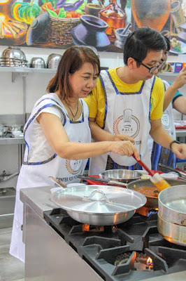 Renz Cheng bonding with mom for culinary experience in PACE
