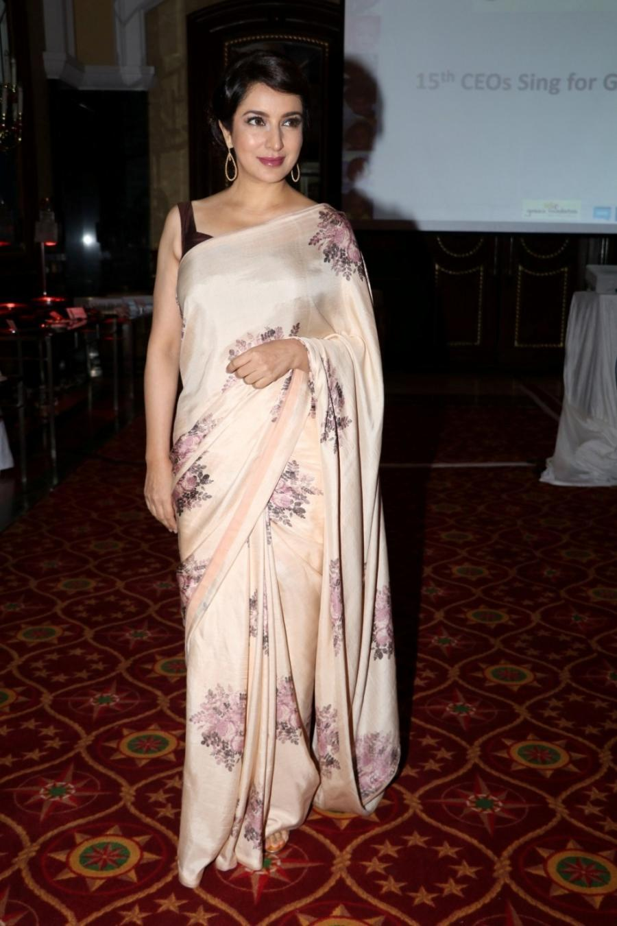 Actress Tisca Chopra Sleeveless Stills In Pink Saree