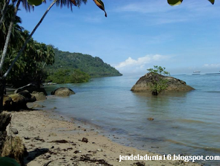 Nirwana, Pantai yang Begitu Kaya akan Alamnya