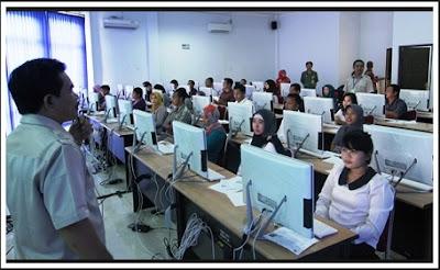 Apakah anda tertarik untuk mendaftarkan diri menjadi PNS di Indonesia Jadwal Pendaftaran CPNS 2018 Tes CAT dan Passing Grade