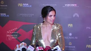 Deepika Padukone Promoting   Return of Xander Cage in India in Golde Gown 30 .xyz.jpg