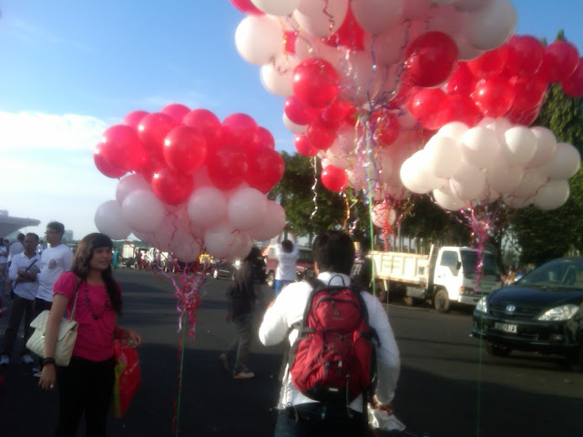 dekorasi balon gas, Balon Gas pelepasan