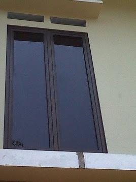 Hasil gambar untuk jendela aluminium hitam