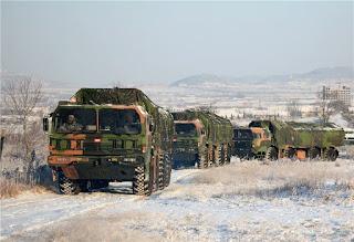 Entrenamiento en una batería costera de Shandong