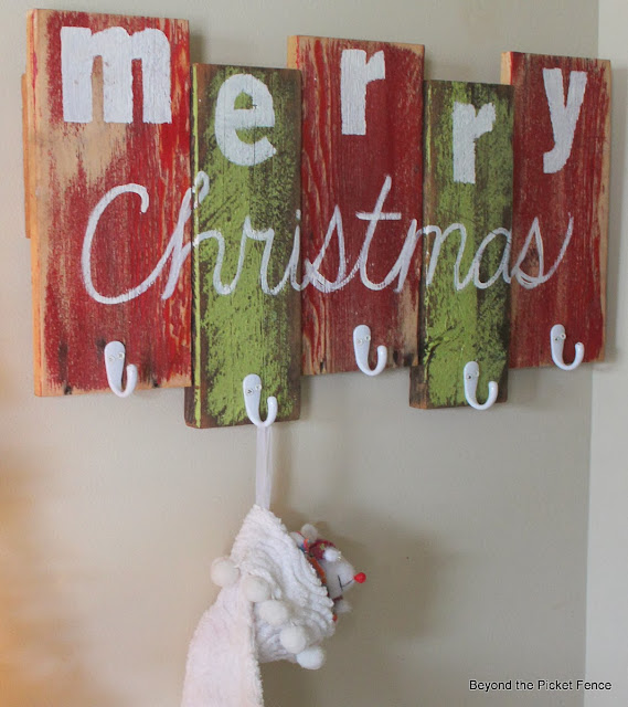 DIY Reclaimed Wood Stocking Holder