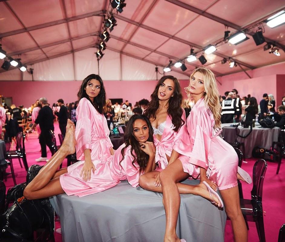 Victoria's Secret Fashion Show pink pajamas party