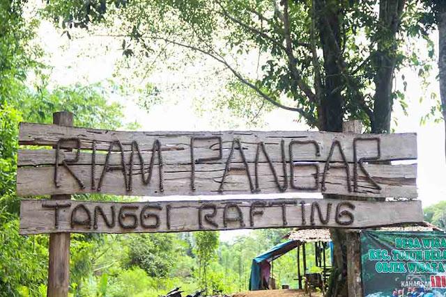 masuk Wisata Riam Pangar Di Bengkayang Cocok Bagi Keluarga Dan Anak Muda - kaharsa