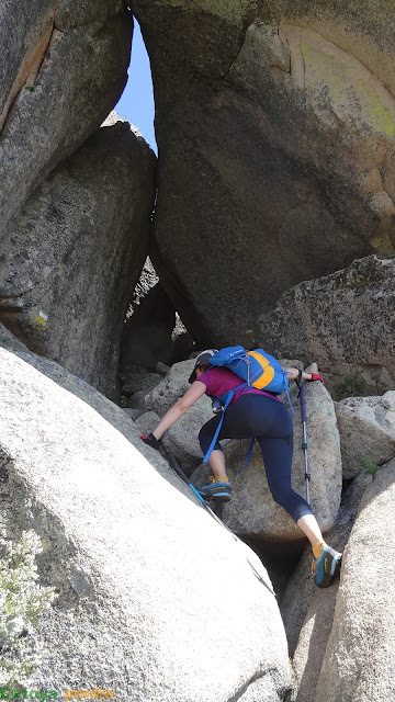 Ruta circular por La Pedriza con ascensión al Yelmo y a la Tercera Torre saliendo de Canto Cochinos