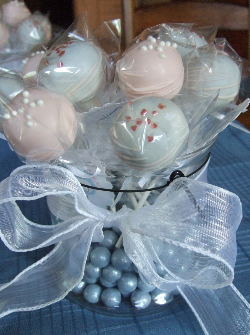 The cakepop lady for Altar decoration for first holy communion