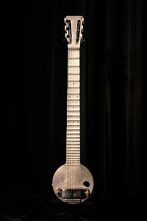Uivos Sussurros Amp Gritarias Primeira Guitarra El 233 Trica