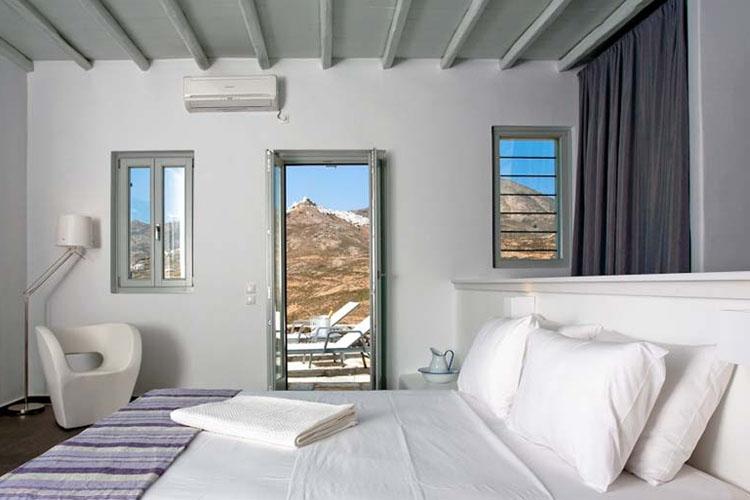 rizes-bedroom1