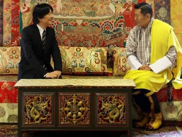 Crown Princess Kiko  and Prince Hisahito met King Jigme Khesar Namgyel, Queen Jetsun Pema and Gyalsey