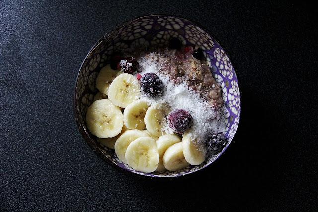 recette-porridge-petit-dejeuner-vegan-fruits