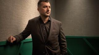 Özcan Akyol maakt vijfluik 'Studio Eus' voor BNNVARA op NPO Radio 1