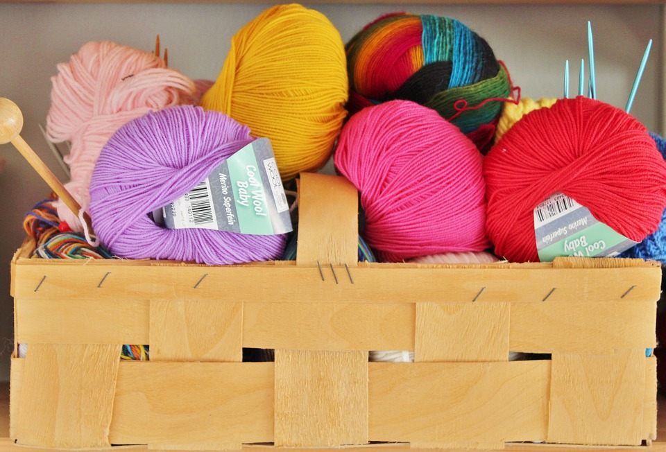 learn to knit autumn activities